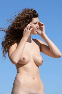 Model Mari in Natural Hornyness